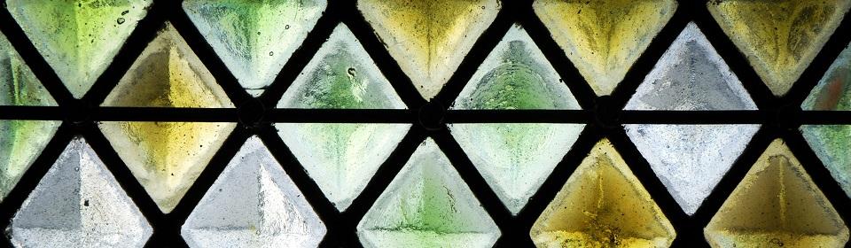 Glaszetter Ede plaatst ook glas-in-lood ramen